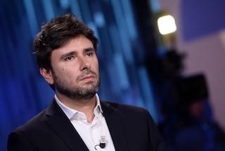 """Crisi di governo, Di Battista contro Salvini: """"Spettacolo da vomito, è schiavo sistema"""""""