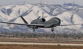 """Sale la tensione tra Usa e Iran, Teheran annuncia: """"Abbiamo abbattuto aereo spia"""""""