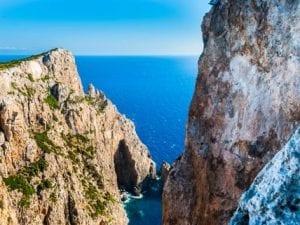 Isola greca cerca residenti e offre casa, terra e 500 euro al mese per tre anni