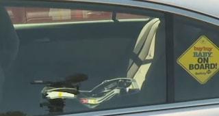Torna dalla festa, mamma di sei figli dimentica la piccola di 3 mesi in auto: la trova morta