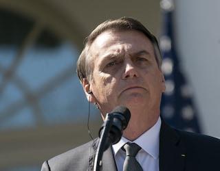 Brasile, nella capitale terapie intensive piene al 90% ma Bolsonaro vuole riaprire tutto