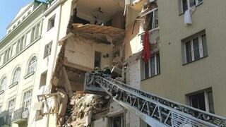 Vienna, crolla una palazzina a causa di una fuga di gas, 14 feriti, quattro sono gravi
