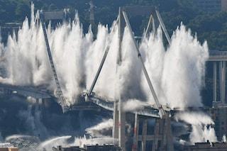 Demolizione Ponte Morandi: spazzato via in 6 secondi il simbolo di Genova