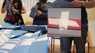 """Firenze, scotch sul crocifisso in un seggio. Lega: """"Follia elettorale"""""""