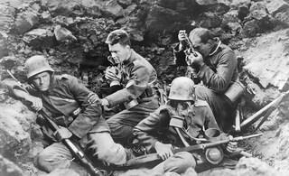 Niente di nuovo sul fronte occidentale: 90 anni fa Erich Remarque pubblicava il suo capolavoro