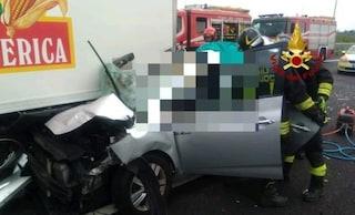 Incidente A4, auto sotto un camion vicino al casello di San Donà di Piave: morta una donna