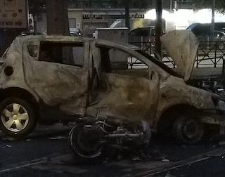 Torino, auto e moto si scontrano e vanno a fuoco nella notte, morto centauro 27enne