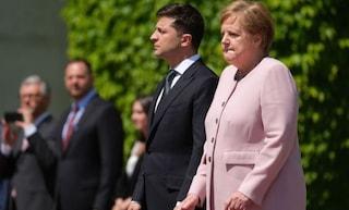Malore per Angela Merkel, colpita da improvviso tremore durante cerimonia ufficiale