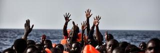 """Migranti, 4 arresti a Imperia: """"Frattaglie e polmoni nel cibo perché costano meno del pollo"""""""