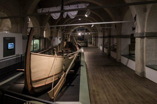 Sette imbarcazioni romane e 8mila reperti storici: a Pisa apre il Museo delle Navi Antiche