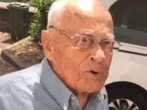 Nonno Felicino, 98 anni, prende la licenza media con 10: Lo