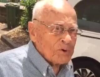 """Nonno Felicino, 98 anni, prende la licenza media con 10: """"Lo avevo promesso a mia moglie"""""""