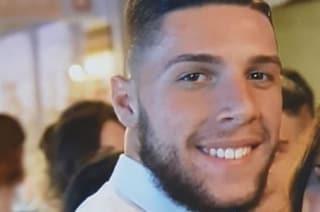 Taranto, scontro frontale tra auto e pullman: Pietro muore a 19 anni mentre va a al lavoro