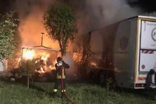 Dramma a Taranto, vigile del fuoco di 54 anni muore per spegnere le fiamme in un maneggio