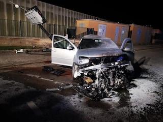 Ragusa, auto finisce contro un muretto: Silvana muore a 38 anni, alla guida il compagno ubriaco
