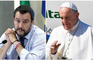 """Papa nega di aver rifiutato un incontro con Salvini. Ministro: """"Gli spiegherei il dl Sicurezza"""""""