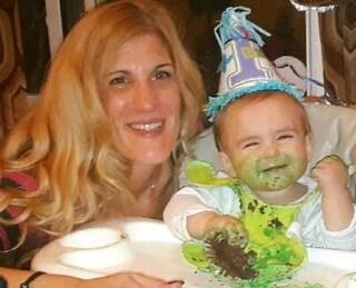 """Uccide il figlio di 17 mesi soffocandolo con una salvietta: """"Si era intromesso nella mia relazione"""""""