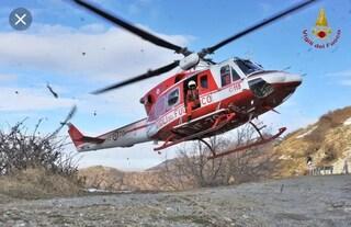 """Piemonte, protestano i Vigili del Fuoco: """"Niente soccorsi in elicottero, pagati una miseria"""""""
