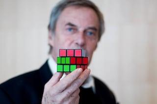 Erno Rubik compie 75 anni: ecco chi è l'inventore del famosissimo Cubo