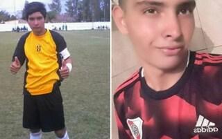 Argentina, portiere 17enne para un rigore col petto e muore: al campo non c'era l'ambulanza