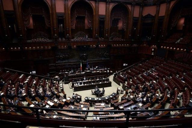 Taglio parlamentari voto decisivo alla camera cosa cambier for Numero membri camera dei deputati