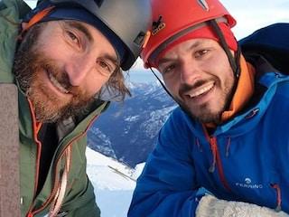 """Alpinista italiano ferito in Pakistan a 6.200 metri, i compagni: """"Lo portiamo giù a piedi"""""""