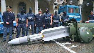 Cosa sappiamo del missile dei neofascisti: era in vendita su Whatsapp a 470mila euro