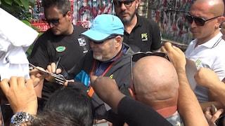 Il pellegrinaggio dei fan di Vasco a Zocca, tra selfie e autografi da tatuare