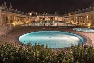 Lucca, malore in piscina. Ancora disperate le condizioni della 12enne