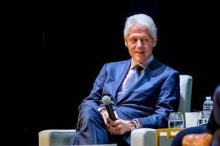 """Andrea Camilleri, l'omaggio di Bill Clinton: """"Lui e Montalbano mi mancheranno"""""""