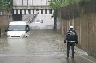 """Maltempo a Cervia, inondazioni e allagamenti: """"Chiusi i sottopassi, non uscite di casa"""""""