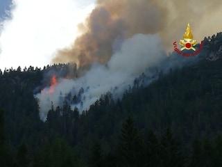 """Cortina D'Ampezzo, scoppia incendio e esplodono due ordigni bellici. """"Forse ce ne sono altri"""""""
