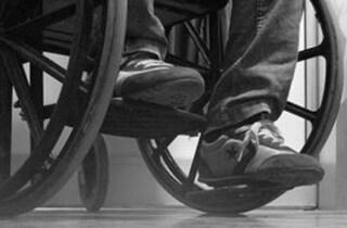 Catania, 15enne schiaffeggia e insulta un disabile suo coetaneo: il video pubblicato su Facebook