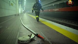 Incendio nel pacco batterie del Frecciarossa, fumo in galleria: evacuata la stazione di Bologna