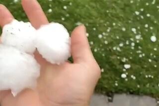 Maltempo: grandine a Rimini. Tempesta ad Ancona: un morto. Allerta meteo in 6 regioni