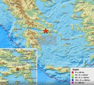 Forte terremoto in Grecia, scossa di 5.1 ad Atene: gente in strada e telefoni fuori uso