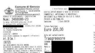 """Genova, 200 euro di multa a un clochard: è """"colpevole"""" di dormire in piazza"""