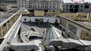 """Paura a Trieste, crolla il tetto della piscina Acquamarina: """"Poteva essere una strage"""""""