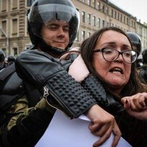 Russia, nota attivista per la difesa dei diritti gay uccisa a coltellate a San Pietroburgo