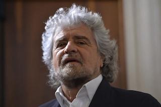 """Coronavirus, Grillo: """"Ora serve il reddito universale per tutti, salviamo il popolo non le banche"""""""