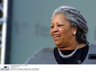 Morta Toni Morrison, Nobel per la letteratura: il cordoglio di Barack Obama