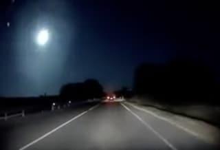 Un meteorite attraversa i cieli della Sardegna e illumina la notte