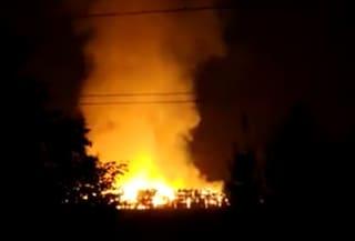 Rimini, fulmine colpisce un'azienda agricola e scoppia maxi incendio