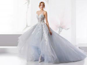 huge selection of d2b64 c4c1c Termoli, ladri rubano 150 abiti da sposa da un negozio