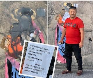 """Taormina, avvocato leghista imbratta il murale dedicato a Carola Rackete: """"Prima gli italiani"""""""