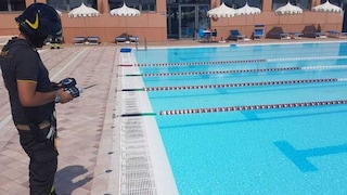 Rimini, troppo cloro in piscina: 16 bambini finiscono in ospedale