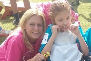 La mamma la dimentica in auto per cinque ore sotto al sole: morta Cristina, 13enne disabile