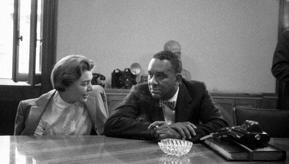Fernanda Pivano insieme allo scrittore Richard Wright, nel 1957.