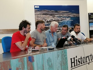 """Richard Gere con Open Arms: """"Non mi interessa Salvini, penso ad aiutare questa gente"""""""