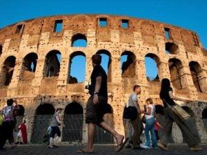 Anche il Colosseo sarà fra i luoghi d'arte e cultura aperti a Ferragosto.